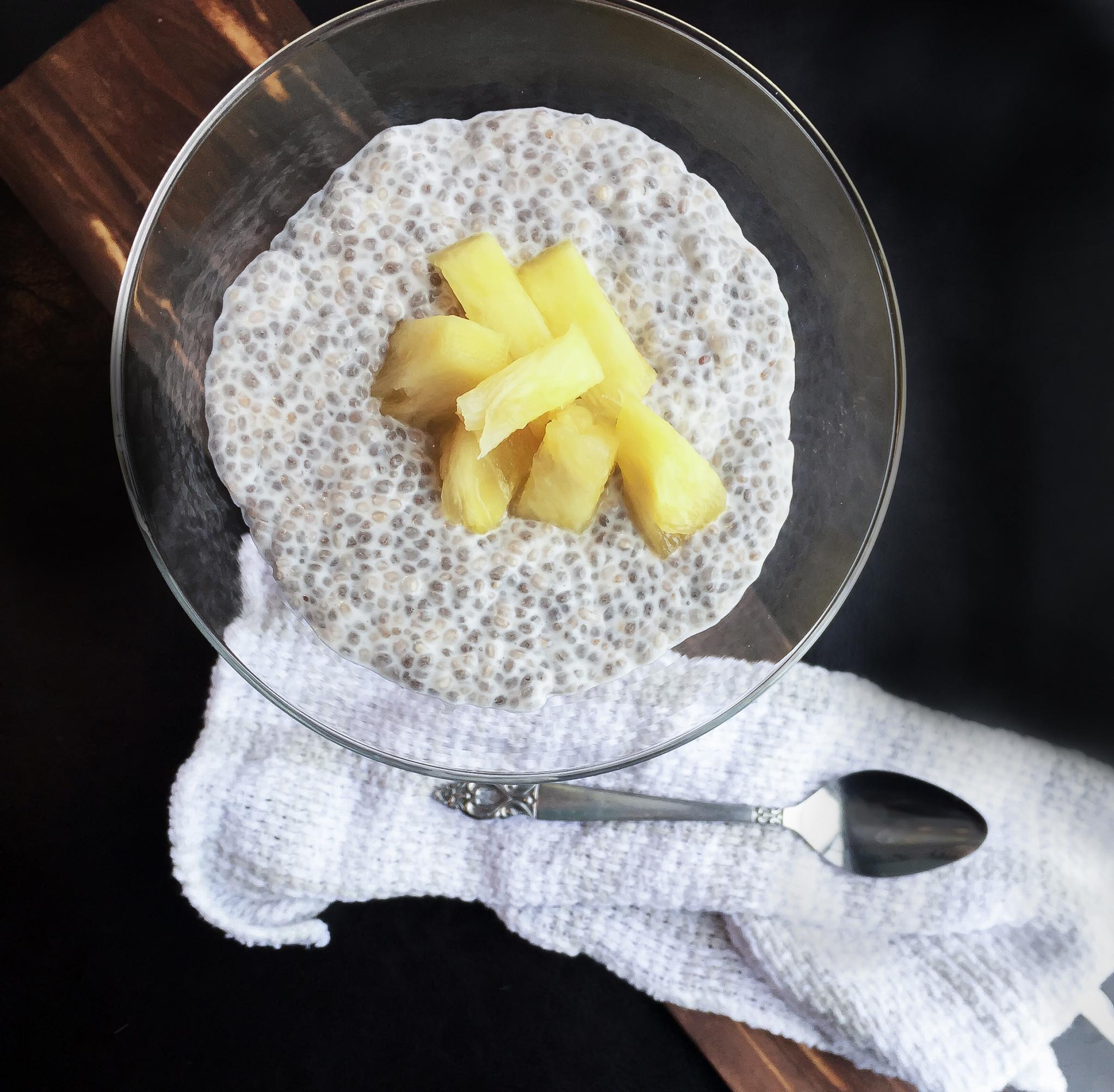 Pouding de chia au lait de coco et ananas sparks and bloom - Comment faire du lait de coco ...
