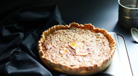 Tarte au sirop d'érable et aux noix de Grenoble | Sparks and Bloom