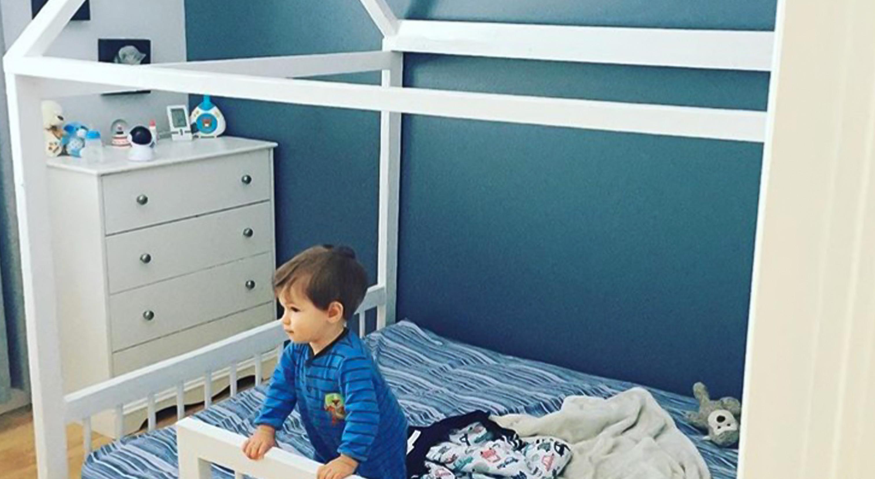 comment faire soi m me son lit montessori pour b b sparks and bloom. Black Bedroom Furniture Sets. Home Design Ideas