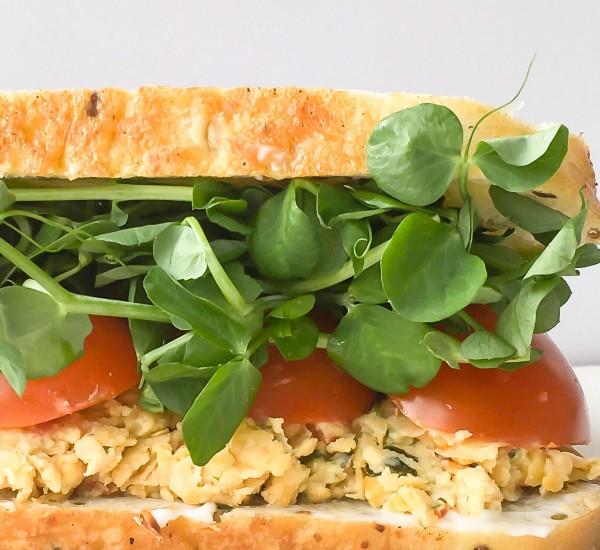 27---mardi---février-(MANGER)-Sandwich-à-l'écrasé-de-pois-chiches-au-basilic-et-à-la-tomate-séchée---Sans-huile--media