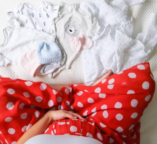 21---mardi---janvier-(MAMAN-BEBE)-On-attend-un-petit-gars-ou-une-petite-fille--J'essaie-les-trucs-de-grand-mère-!03-1