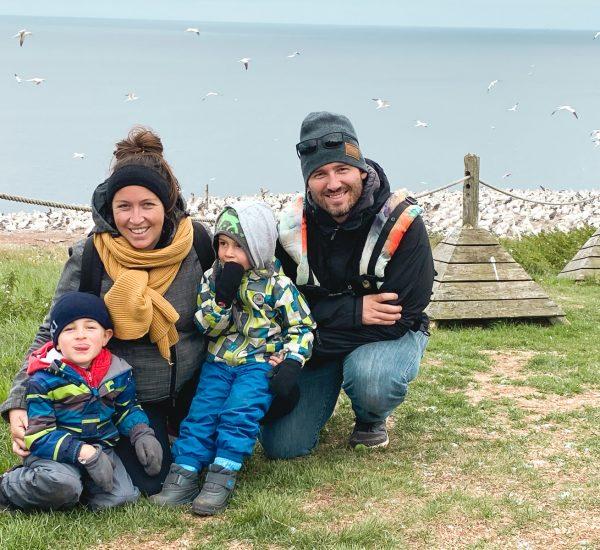 22-dimanche-aout (VOYAGE) Notre visite en famille sur L'île de bonanventure à la découverte des milliers de fous de bassans !7465-1